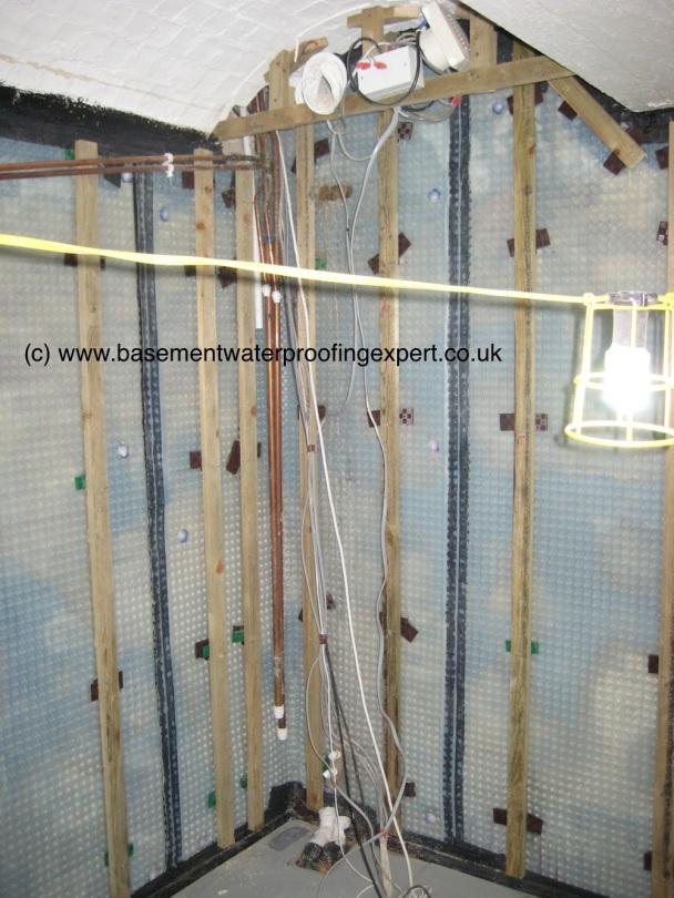 Cavity drainage membranes